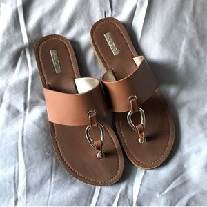 Aldo Sandals 9 Brown Faux Leather Gold Flip Flops